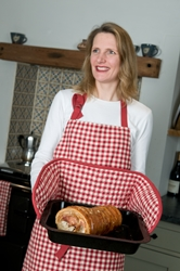 Ziro Check Large Red Apron and Oven Gloves